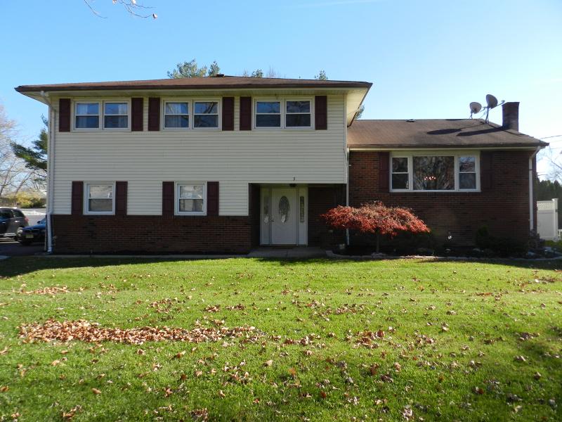 Casa Unifamiliar por un Alquiler en 3 Sandalwood Drive Parsippany, Nueva Jersey 07054 Estados Unidos