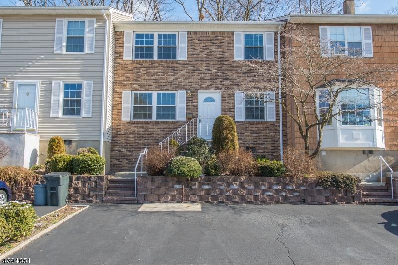 Частный односемейный дом для того Аренда на 5 Sandra Lane Bloomingdale, Нью-Джерси 07403 Соединенные Штаты