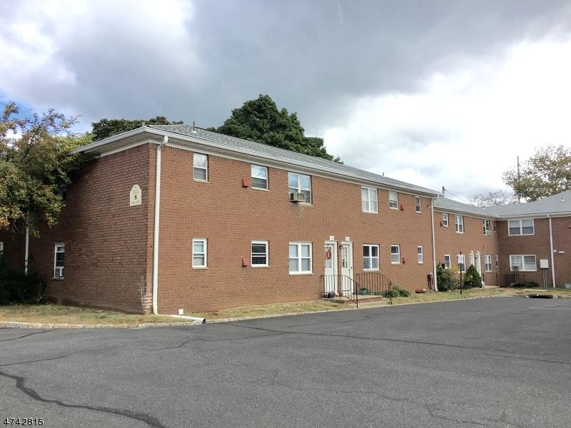 Частный односемейный дом для того Аренда на 1173A VALLEY Road Wayne, Нью-Джерси 07470 Соединенные Штаты