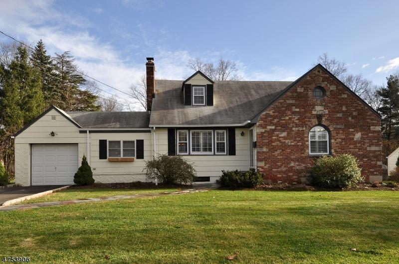 Частный односемейный дом для того Продажа на 188 Mali Drive North Plainfield, Нью-Джерси 07062 Соединенные Штаты