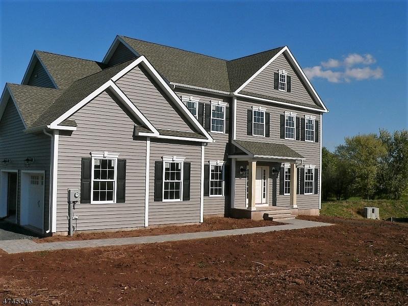 Nhà ở một gia đình vì Bán tại 105 Elia Drive Branchburg, New Jersey 08853 Hoa Kỳ