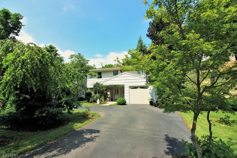 Частный односемейный дом для того Аренда на 40 Riverside Drive Denville, Нью-Джерси 07834 Соединенные Штаты