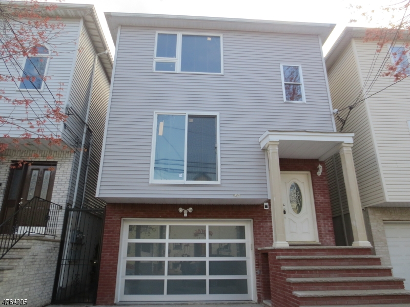 Single Family Home for Rent at 157 Chestnut Street Newark, New Jersey 07105 United States