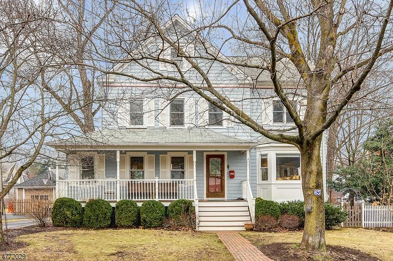 独户住宅 为 销售 在 63 Hedges Avenue 查塔姆, 新泽西州 07928 美国