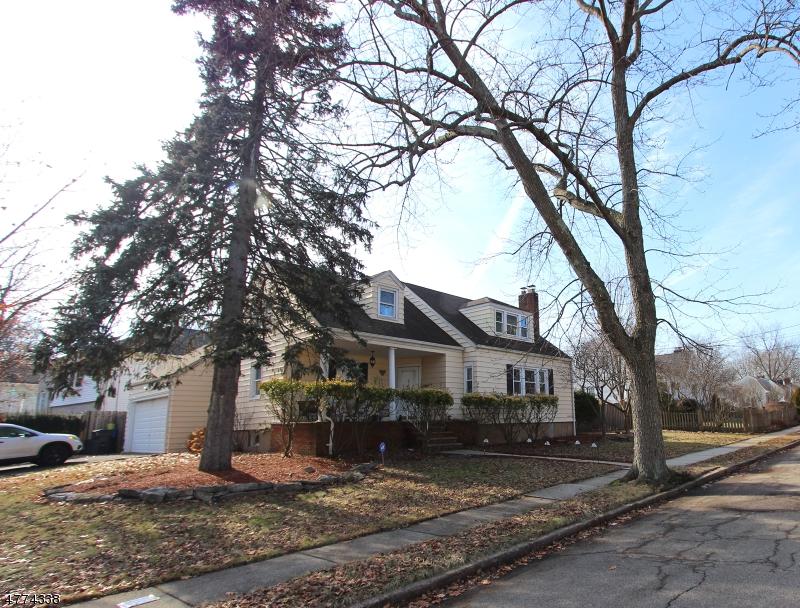 一戸建て のために 売買 アット 90 Lilac Street Bergenfield, ニュージャージー 07621 アメリカ合衆国
