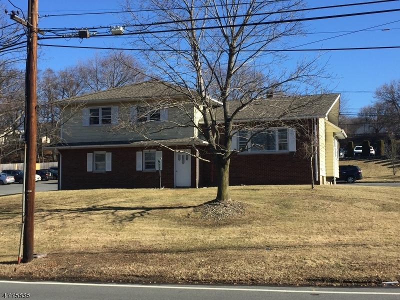 Частный односемейный дом для того Продажа на 199 BROWERTOWN Road Woodland Park, Нью-Джерси 07424 Соединенные Штаты