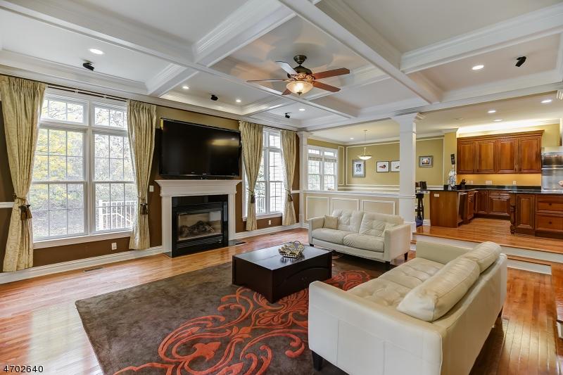 Частный односемейный дом для того Аренда на 34 TILLOU RD W South Orange, Нью-Джерси 07079 Соединенные Штаты