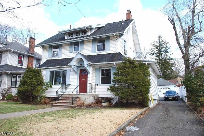 Maison unifamiliale pour l Vente à 473 River Road Bogota, New Jersey 07603 États-Unis