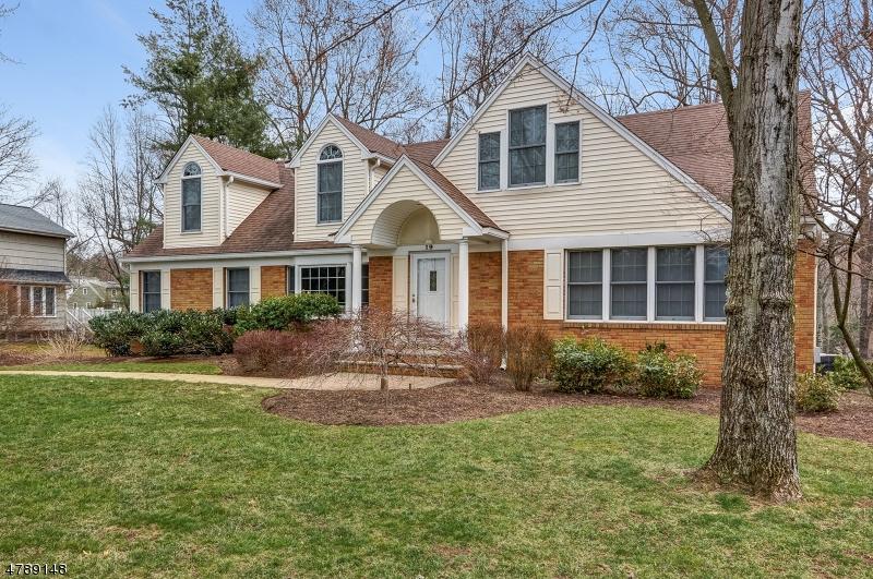 独户住宅 为 销售 在 19 Joanna Way 查塔姆, 新泽西州 07928 美国