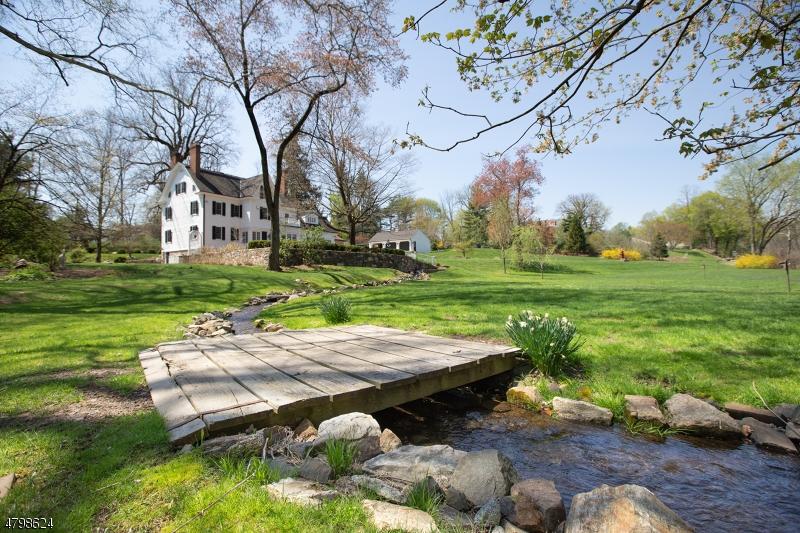 Tek Ailelik Ev için Satış at 277 Childs Road Bernards Township, New Jersey 07920 Amerika Birleşik Devletleri