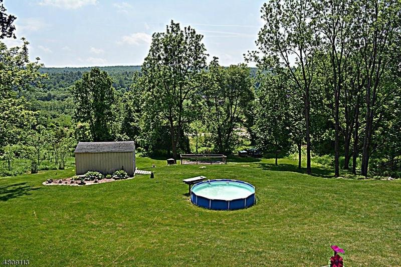 獨棟家庭住宅 為 出售 在 105 COLE HAVEN TER Montague, 新澤西州 07827 美國