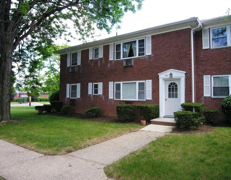 Кондо / дом для того Аренда на 1141 VALLEY Road Wayne, Нью-Джерси 07470 Соединенные Штаты
