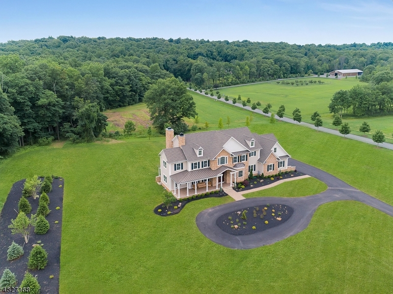 Additional photo for property listing at 224 MOUNTAIN Road  Bernards Township, New Jersey 07920 États-Unis