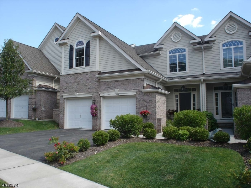 Condo / Townhouse for Sale at 503 SPRING HOLLOW Drive Hanover, New Jersey 07927 United States
