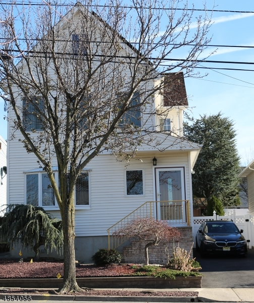 Single Family Home for Sale at 613 WASHINGTON Street Carlstadt, New Jersey 07072 United States