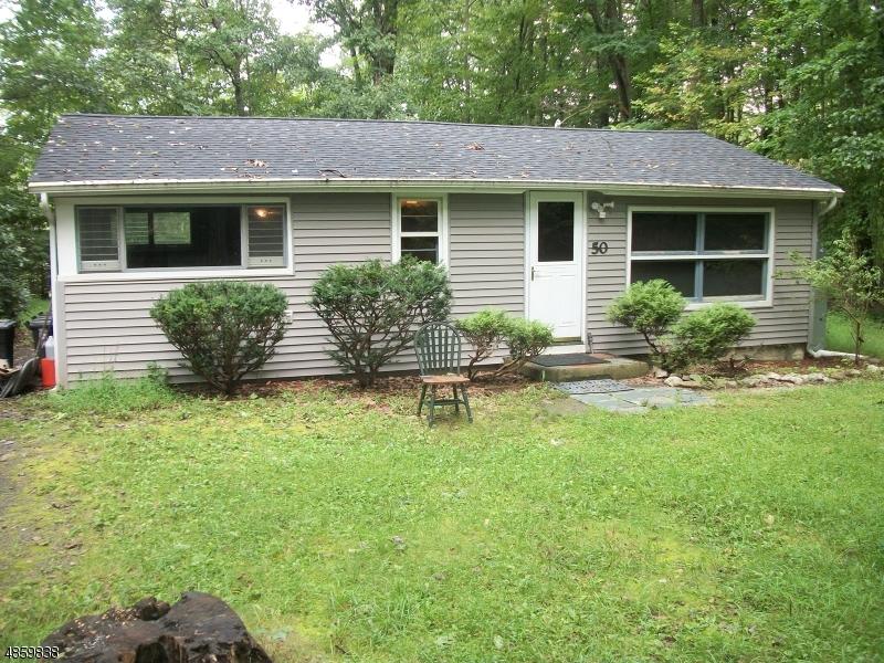 Nhà ở một gia đình vì Thuê tại 50 LONE PINE Trail Hampton, New Jersey 07860 Hoa Kỳ