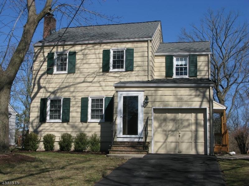 Maison unifamiliale pour l à louer à 15 TALLMADGE Avenue Chatham, New Jersey 07928 États-Unis