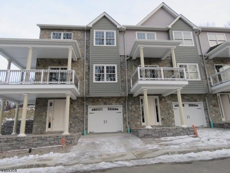 Кондо / дом для того Продажа на 54 HALINA Lane Butler, Нью-Джерси 07405 Соединенные Штаты