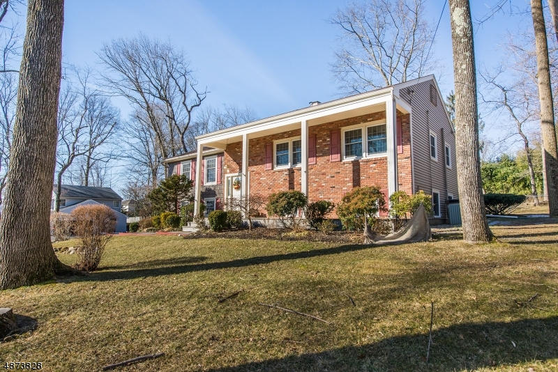 Single Family Home for Sale at 5 VAN ALEN Place Pequannock, New Jersey 07444 United States