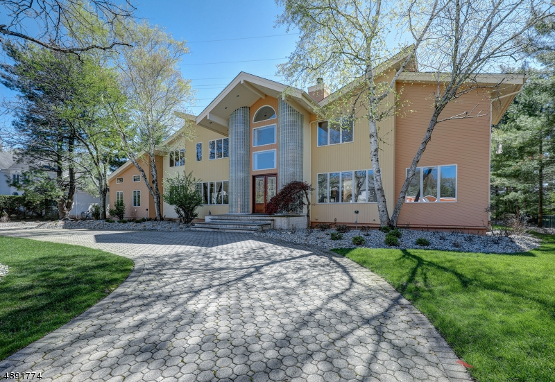 Частный односемейный дом для того Аренда на Livingston, Нью-Джерси 07039 Соединенные Штаты