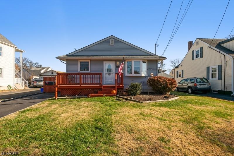 Single Family Homes för Försäljning vid Manville, New Jersey 08835 Förenta staterna