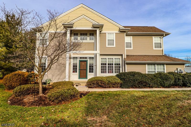 Condominio/ Casa de pueblo por un Alquiler en Lopatcong, Nueva Jersey 08886 Estados Unidos