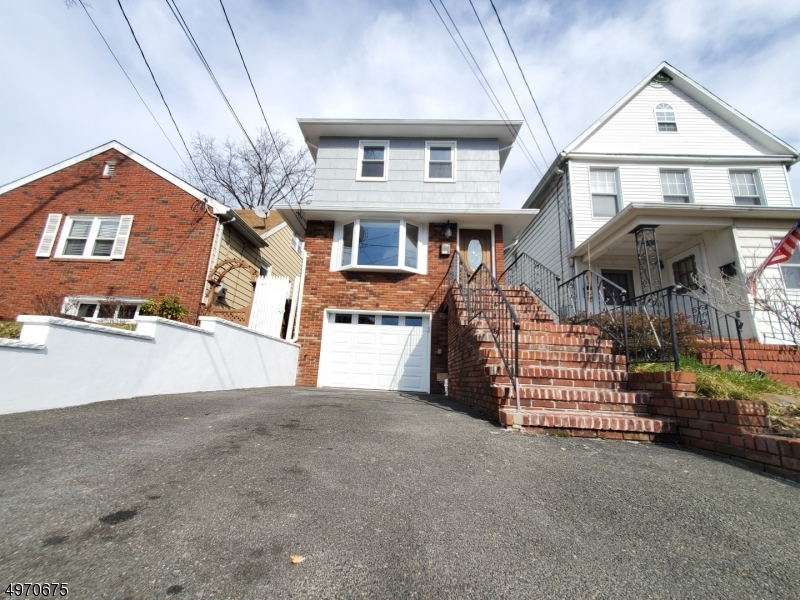 Single Family Homes per Vendita alle ore Roselle Park, New Jersey 07204 Stati Uniti