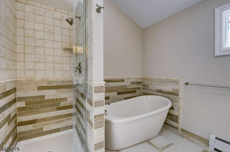 Additional photo for property listing at  Sparta, New Jersey 07871 Stati Uniti