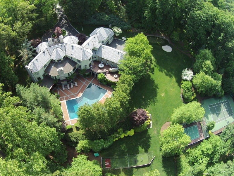 Single Family Home for Sale at 130 Overleigh Road Bernardsville, New Jersey 07924 United States