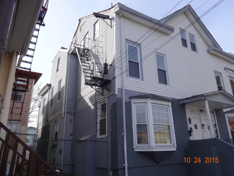 Additional photo for property listing at 250-252 VAN HOUTEN Street  Paterson, Нью-Джерси 07501 Соединенные Штаты