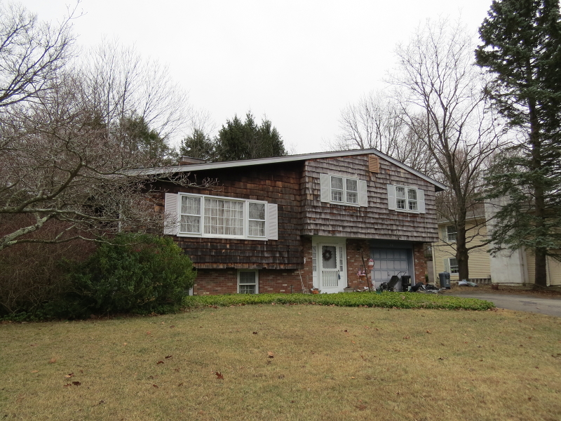 Single Family Home for Sale at 20 Tennis Ter Sparta, New Jersey 07871 United States