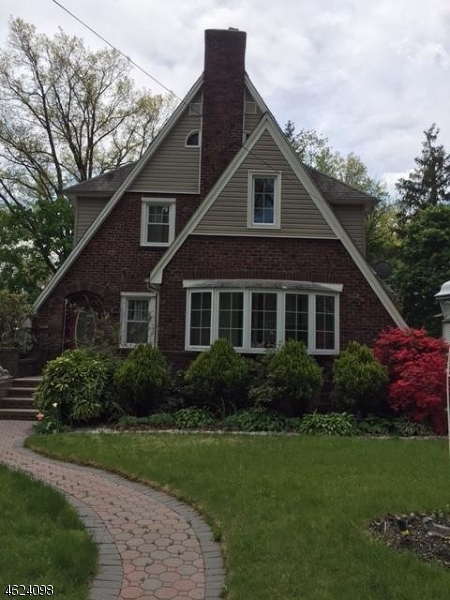 Single Family Home for Sale at 436 Kensington Road Teaneck, 07666 United States