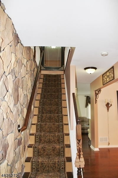 Additional photo for property listing at 968 Haran Avenue  Manville, New Jersey 08835 États-Unis