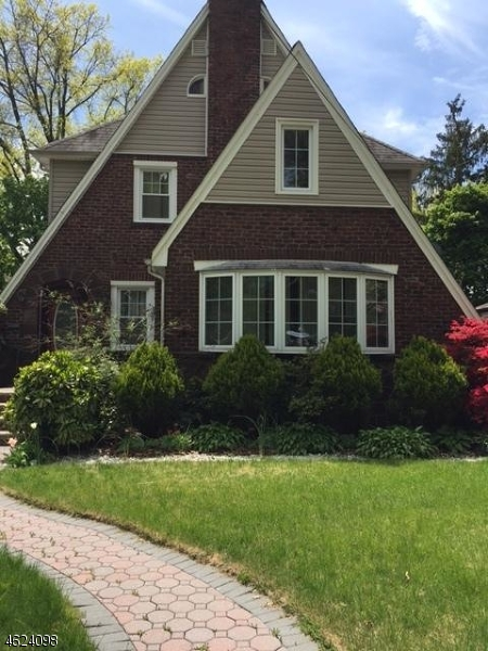Additional photo for property listing at 436 Kensington Road  Teaneck, New Jersey 07666 United States
