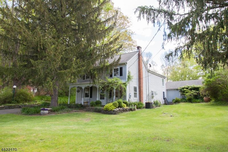 独户住宅 为 销售 在 26 Alphano Road Great Meadows, 新泽西州 07838 美国