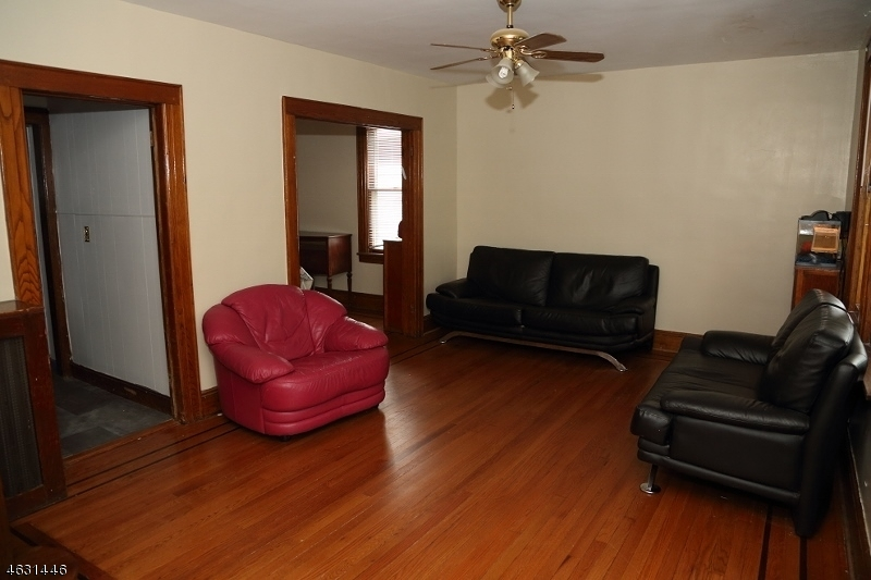 Частный односемейный дом для того Продажа на Address Not Available Clifton, Нью-Джерси 07012 Соединенные Штаты