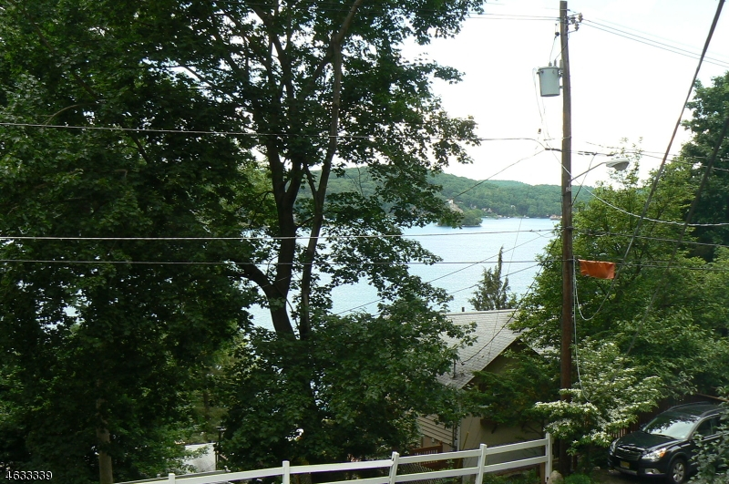 Additional photo for property listing at 121 Springbrook Trail  Sparta, Нью-Джерси 07871 Соединенные Штаты