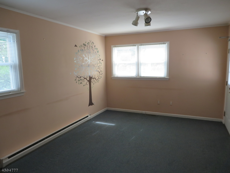 Additional photo for property listing at Address Not Available  Hamburg, New Jersey 07419 États-Unis
