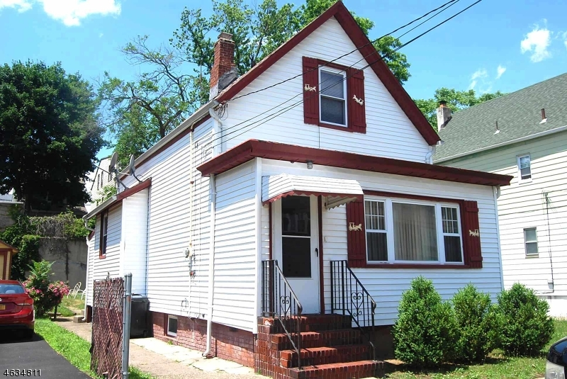 Single Family Home for Sale at 440 E 27th Street Paterson, New Jersey 07514 United States