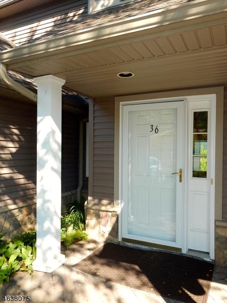 Maison unifamiliale pour l Vente à 36 Clubhouse Road Hamburg, New Jersey 07419 États-Unis