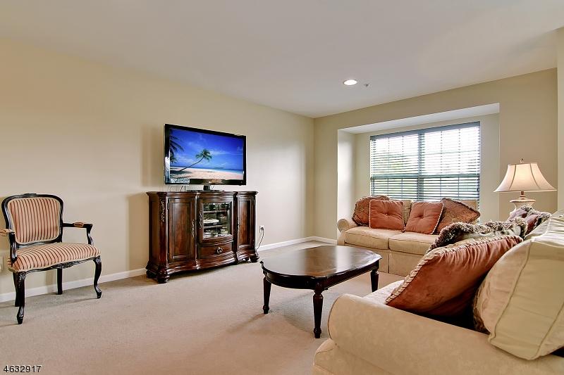 Additional photo for property listing at 3050 King Court  Dunellen, Nueva Jersey 08812 Estados Unidos