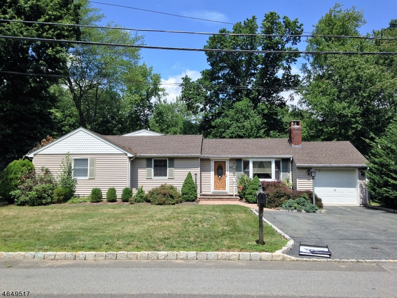 Single Family Home for Sale at 54 Perry Street Whippany, New Jersey 07981 United States