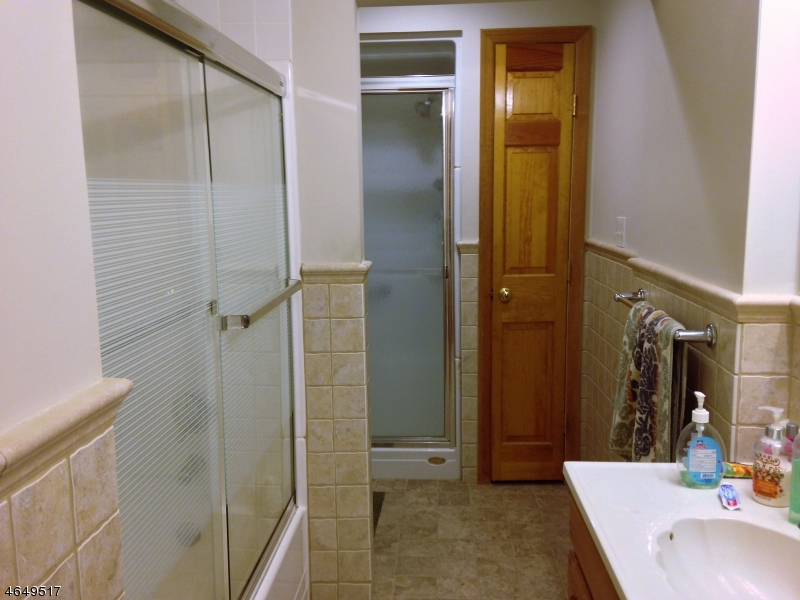 Additional photo for property listing at 54 Perry Street  Whippany, Nueva Jersey 07981 Estados Unidos