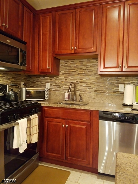 Additional photo for property listing at 6310 Brookhaven Court  Riverdale, Nueva Jersey 07457 Estados Unidos