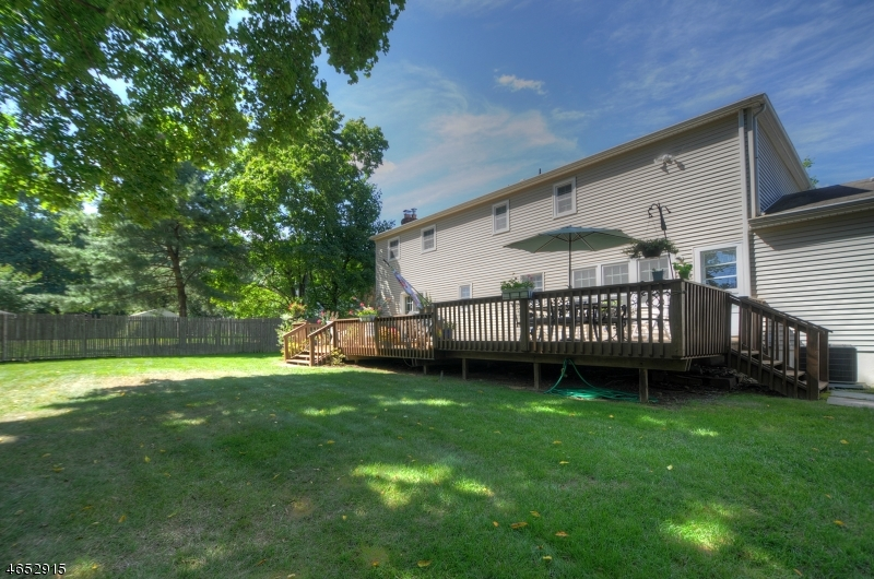 Additional photo for property listing at 11 Totty Court  Florham Park, New Jersey 07932 États-Unis