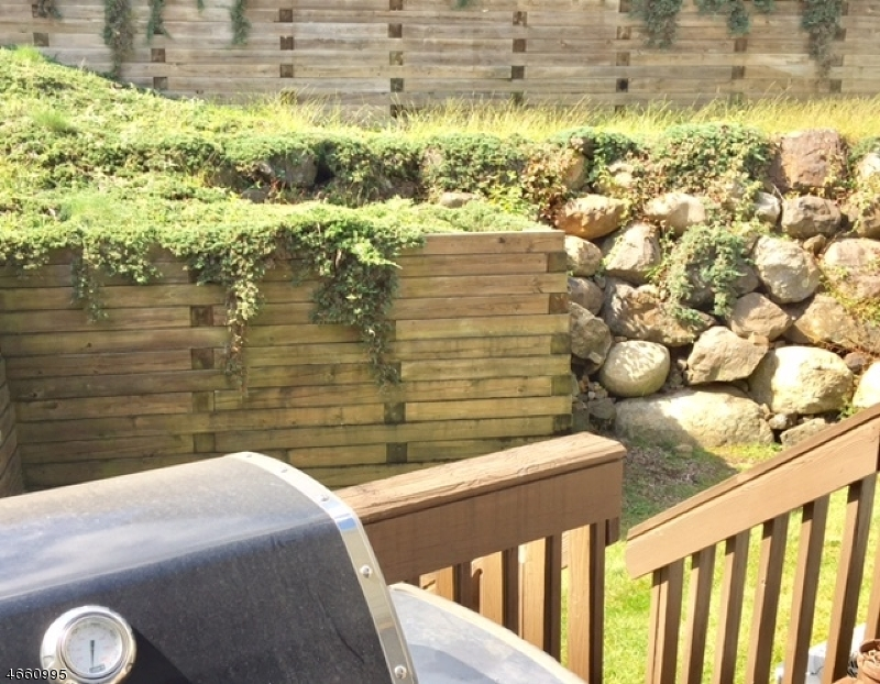 Additional photo for property listing at 1 Knutsen Drive  西奥兰治, 新泽西州 07052 美国