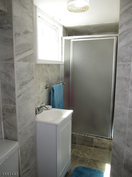 Additional photo for property listing at 5 Arnold Road  Landing, Нью-Джерси 07850 Соединенные Штаты