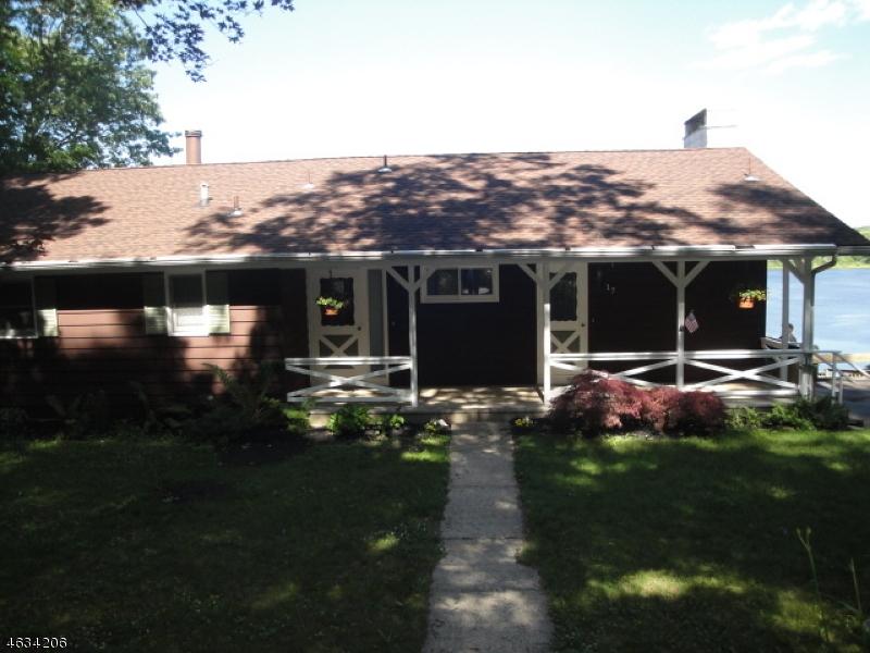 Частный односемейный дом для того Аренда на 17 Reeve Avenue Stanhope, 07874 Соединенные Штаты
