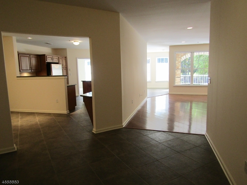 Additional photo for property listing at 1101 Carter Drive  Rockaway, New Jersey 07866 États-Unis