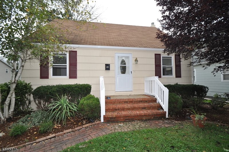 Single Family Home for Rent at 11 Callahan Street East Hanover, New Jersey 07936 United States